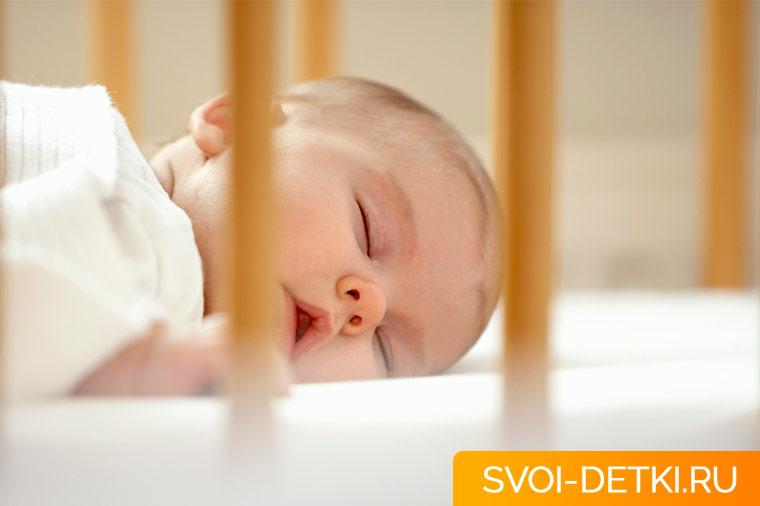 Какая детская кроватка лучше