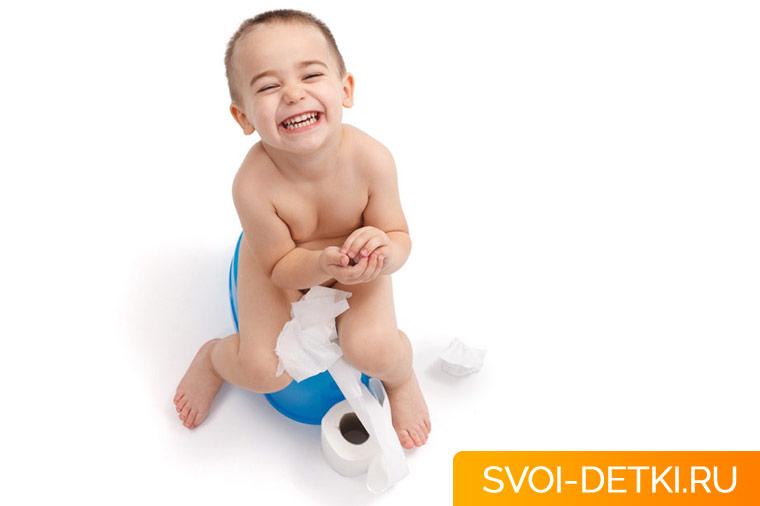 В каком возрасте начинать приучать ребенка вытирать попу самому