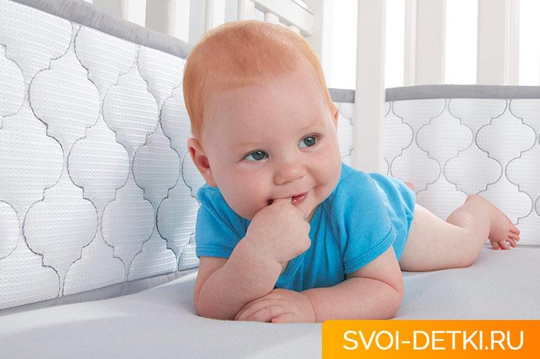 Какой должна быть кроватка для новорожденного: критерии удобства и безопасности