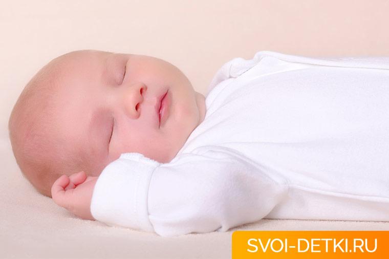 Как застелить кроватку для новорожденного