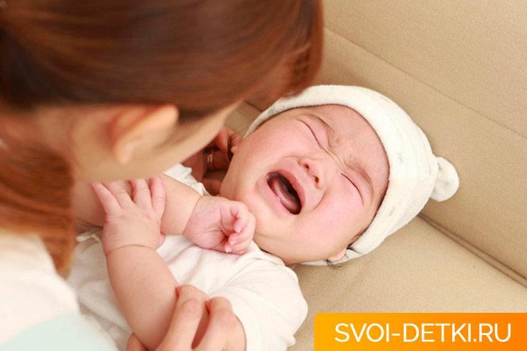 Как лечить кишечные колики у младенца