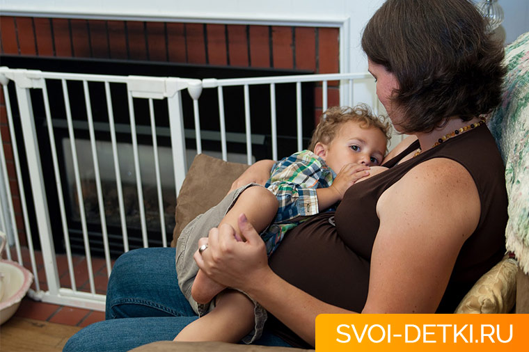 До какого возраста кормить ребенка грудью