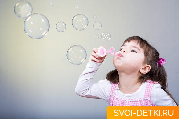 Как приучить ребенка самостоятельно сморкаться