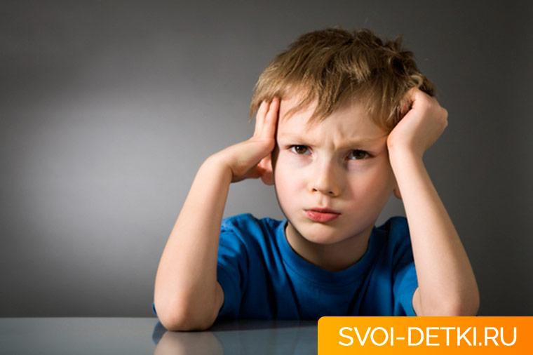 Мигательный тик у ребенка - насколько это серьезно и как помочь