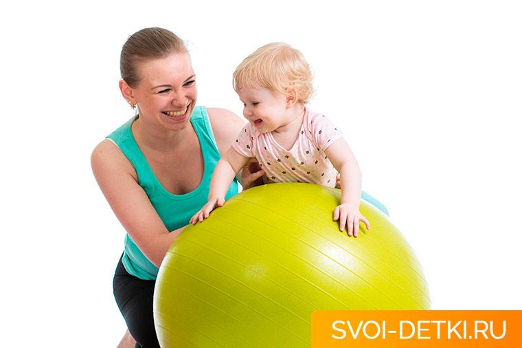 Гимнастика для младенца. Укрепление и развития мышц спины с 6 месяцев