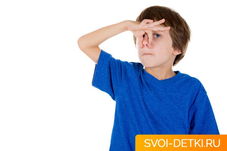 У ребенка неприятный запах изо рта - ищем причину