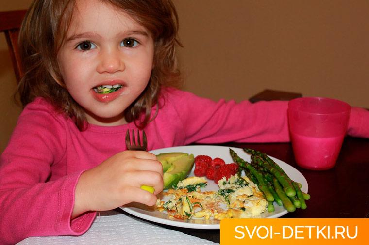 Ребенок начал худеть: основные причины потери веса у детей