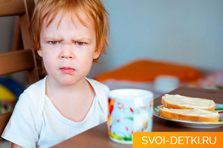 Ребенок плохо ест - как накормить малоежку