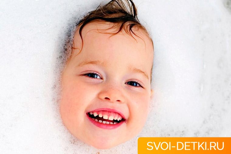 Как приучить ребенка купаться