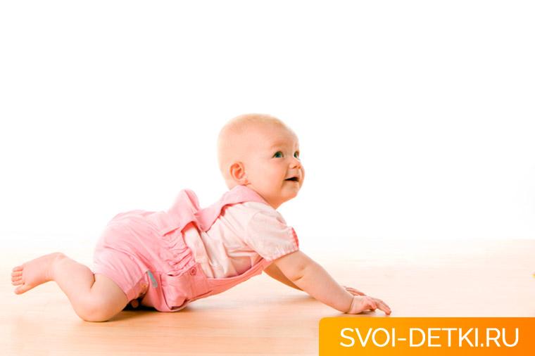 Как научить ребенка ползать: упражнения и рекомендации