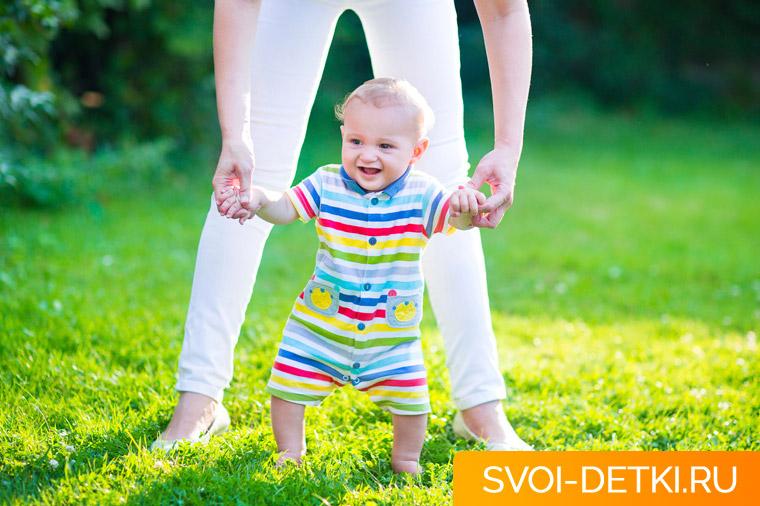 Развитие ребенка 11 месяцев: что должен уметь ребенок