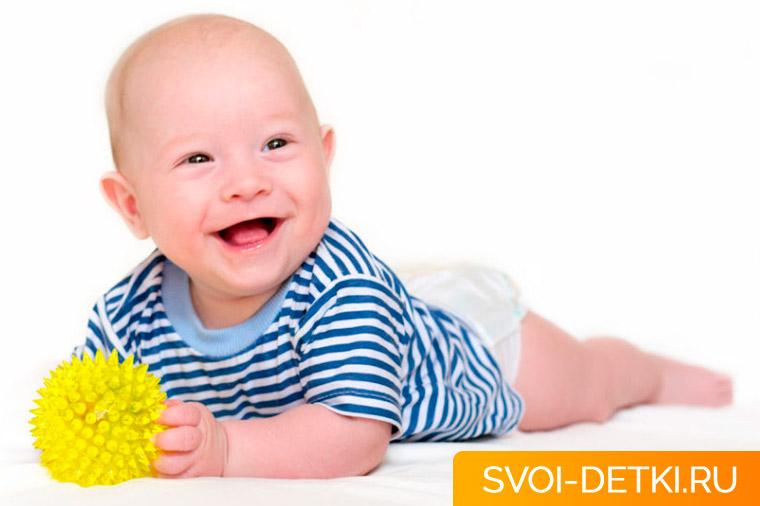 Как играть с ребенком в 4 месяца