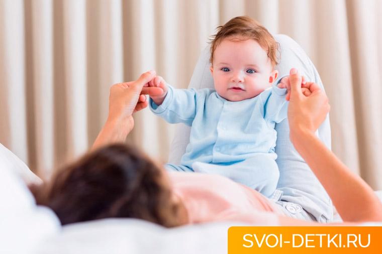 Срыгивания (газоэзофагеальный рефлюкс): почему ребенок срыгивает, не опасно ли это