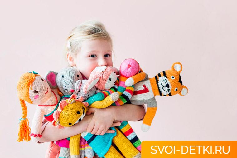 Сколько игрушек нужно ребенку - есть ли смысл покупать их много